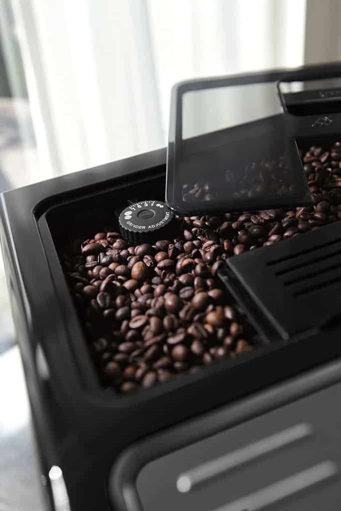 machine-cafe-delonghi-eletta-plus-ecam44620s